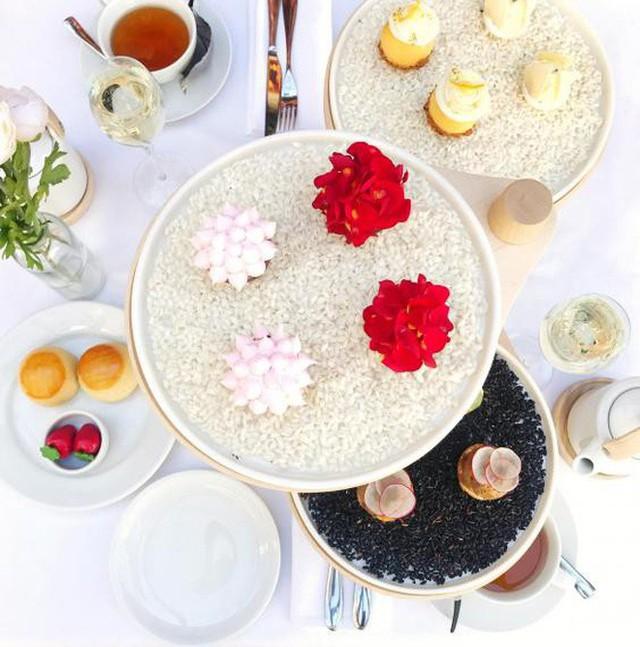 Đến Anh xem cách họ thưởng thức một bữa tiệc trà chiều sang chảnh có giá hơn 1 triệu đồng như thế nào - Ảnh 2.