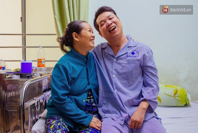 Trang nhật ký xúc động về mẹ của cậu trai bị liệt nửa người và tâm sự của những đứa con không còn mẹ - Ảnh 1.
