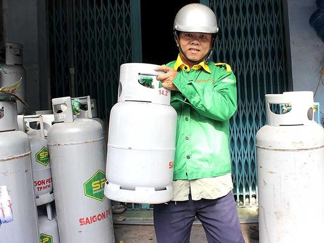 Hồi hộp chờ quy định mới về gas - Ảnh 1.