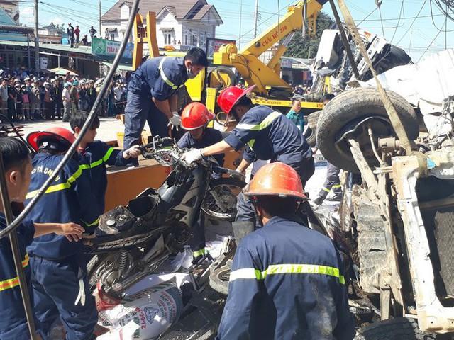 Vụ tai nạn thảm khốc, 5 người tử vong tại chỗ: Chiếc xe phải phóng gần 100 km/h - Ảnh 1.