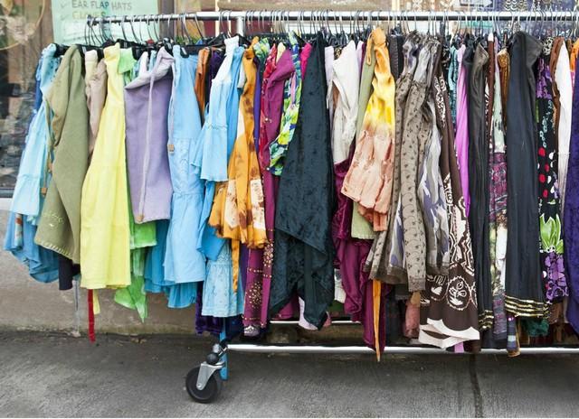 Cậu bé nghèo và chiếc áo cũ nát được bán giá 200 đô la - Câu chuyện mà bất cứ ai muốn thoát nghèo đều nên đọc - Ảnh 2.