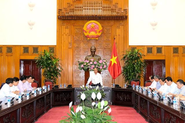 Thủ tướng: Xây dựng Chính phủ điện tử từ những việc nhỏ nhất - Ảnh 2.
