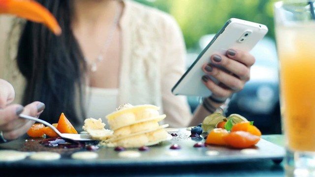 5 thói quen buổi sáng tưởng vô hại nhưng lại chính là nguyên nhân gây tăng cân - Ảnh 3.
