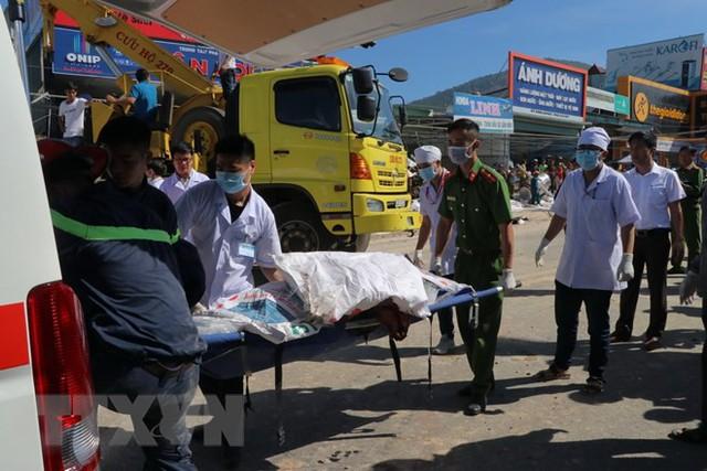 Hình ảnh hiện trường vụ tai nạn kinh hoàng làm 5 người chết ở Lâm Đồng - Ảnh 4.