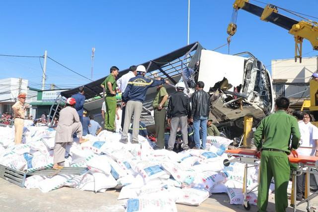 Hình ảnh hiện trường vụ tai nạn kinh hoàng làm 5 người chết ở Lâm Đồng - Ảnh 7.