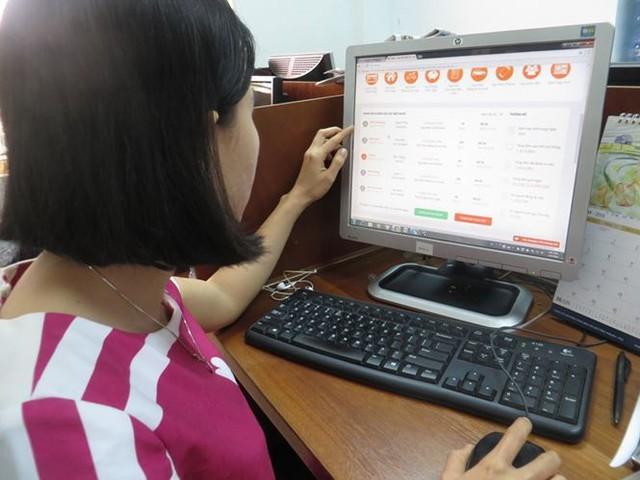 Bẫy lãi suất cắt cổ với dịch vụ vay tiền online - Ảnh 2.