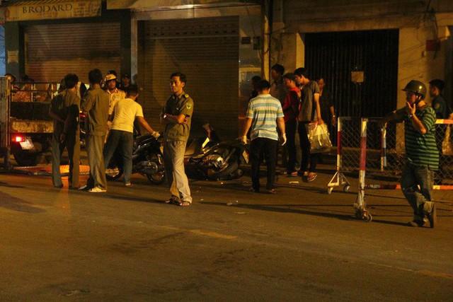 Nhóm trộm cướp đâm 2 hiệp sĩ tử vong ở Sài Gòn sẽ đối diện hình phạt nào? - Ảnh 1.