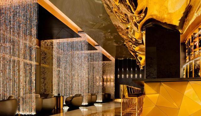 Bên trong nhà hàng xa xỉ phục vụ đồ ăn làm từ vàng ở Dubai - Ảnh 3.