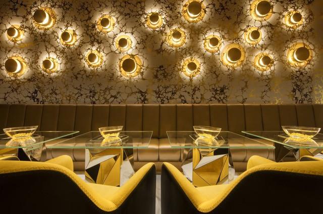 Bên trong nhà hàng xa xỉ phục vụ đồ ăn làm từ vàng ở Dubai - Ảnh 4.