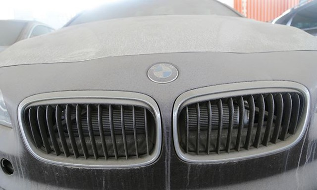 Cận cảnh lô xe BMW nằm phơi nắng, phủ bụi ở cảng Sài Gòn - Ảnh 9.