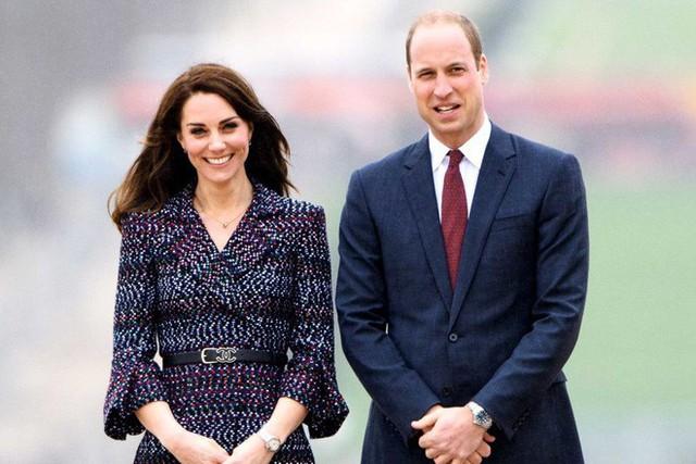Giấy khai sinh của con trai thứ 3 tiết lộ nghề nghiệp đặc biệt của hoàng tử William và Công nương Kate - Ảnh 7.