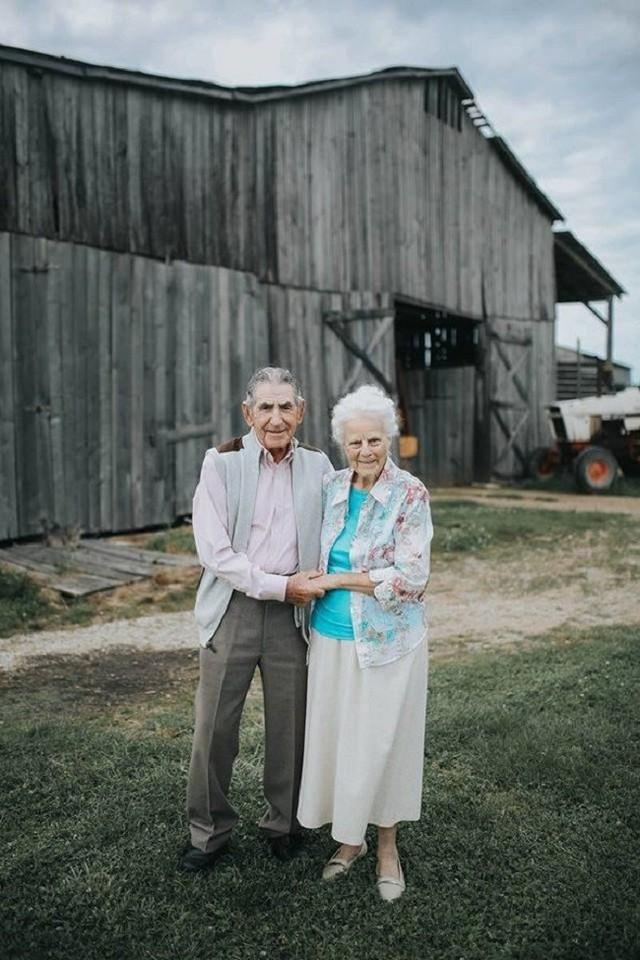 Gần 70 năm chưa từng rời bỏ nhau nửa bước, cặp vợ chồng này đã chứng minh cho cả thế giới thấy tình yêu lãng mạn không phân biệt tuổi tác - Ảnh 8.