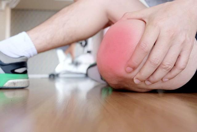Một vài dấu hiệu cảnh báo đầu gối của bạn đang gặp những vấn đề không nhỏ - Ảnh 4.