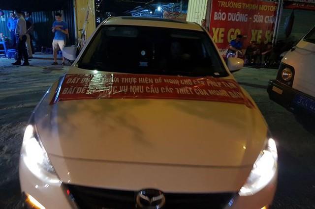 Náo loạn vì bãi đỗ xe lậu lớn nhất Linh Đàm bị đâyng cửa - Ảnh 2.