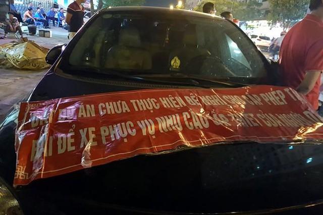Náo loạn vì bãi đỗ xe lậu lớn nhất Linh Đàm bị đâyng cửa - Ảnh 3.