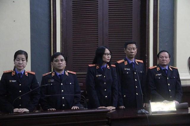 Bà Hứa Thị Phấn và trợ thủ đắc lực bị đề nghị mức án cao nhất - Ảnh 1.