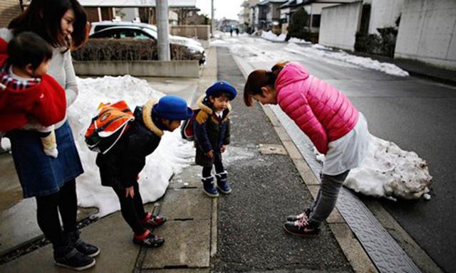 Giáo dục đạo đức là cốt lõi của xã hội Nhật Bản: Học làm người mọi lúc, mọi nơi - Ảnh 3.