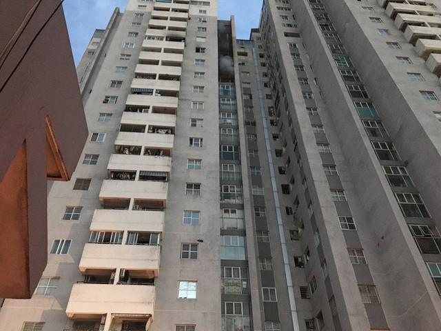 Cảnh tan hoang bên trong căn nhà cháy tại tầng 18 chung cư ở Hà Đông - Ảnh 19.