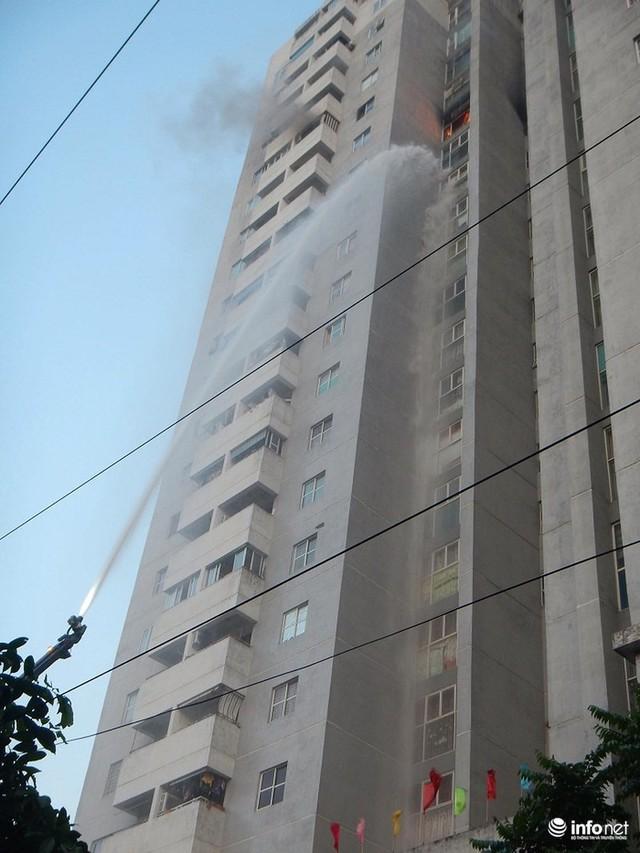 Hà Nội: Cháy ở toà chung cư CT3 Bắc Hà trên một vài con phố Nguyễn Trãi - Ảnh 5.