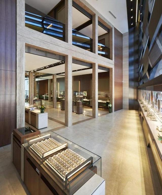 Có gì trong cửa hàng đồng hồ Rolex lớn nhất thế giới: Từng chi tiết trang trí, thiết kế không gian đều gợi nhắc đến những chiếc đồng hồ cao cấp bạc tỉ - Ảnh 2.