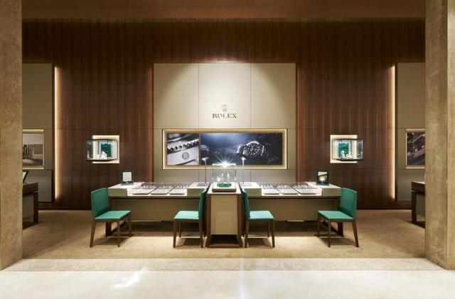 Có gì trong cửa hàng đồng hồ Rolex lớn nhất thế giới: Từng chi tiết trang trí, thiết kế không gian đều gợi nhắc đến những chiếc đồng hồ cao cấp bạc tỉ - Ảnh 3.