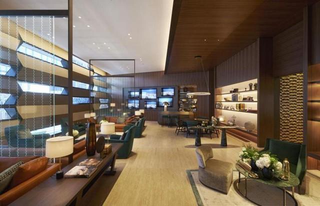 Có gì trong cửa hàng đồng hồ Rolex lớn nhất thế giới: Từng chi tiết trang trí, thiết kế không gian đều gợi nhắc đến những chiếc đồng hồ cao cấp bạc tỉ - Ảnh 4.