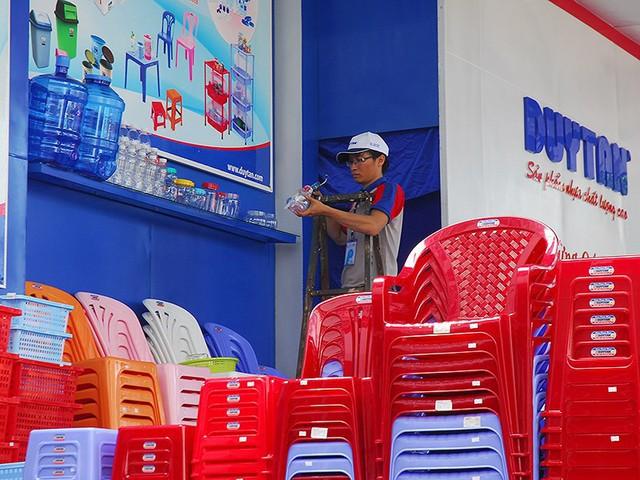 Thái, Hàn, Nhật thi nhau thâu tóm nhựa Việt - Ảnh 1.