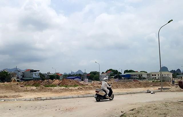 Chặn cơn sốt đất ở Vân Đồn - Ảnh 1.