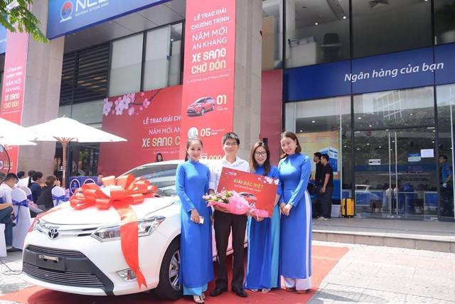 Ngân hàng Quốc Dân trao Toyota Vios cho khách trúng thưởng chương trình Năm mới an khang – Xe sang chờ đón - Ảnh 1.