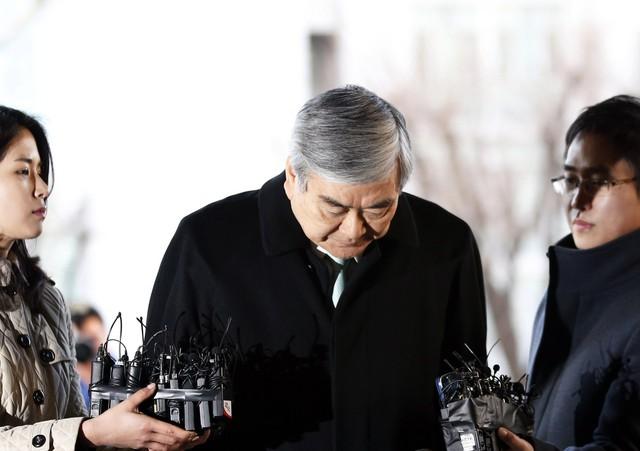 Con gái chủ tịch Korean Air bị cảnh sát thẩm vấn 15 tiếng, chính thức lên tiếng xin lỗi người dân Hàn sau vụ bê bối nghiêm trọng - Ảnh 2.