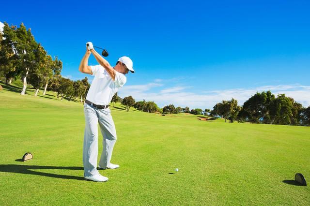 Phụ nữ đang phát cuồng về những chàng trai chơi golf và đây là lý do tại sao - Ảnh 1.