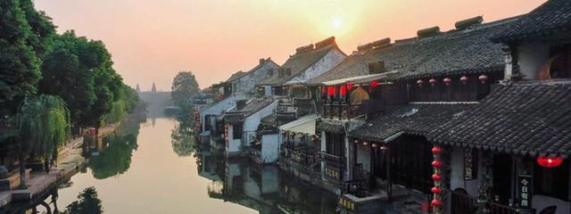 Ngất ngây với 5 cổ trấn đẹp như trong phim cổ trang ở Trung Quốc - Ảnh 12.