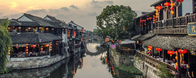 Ngất ngây với 5 cổ trấn đẹp như trong phim cổ trang ở Trung Quốc - Ảnh 13.