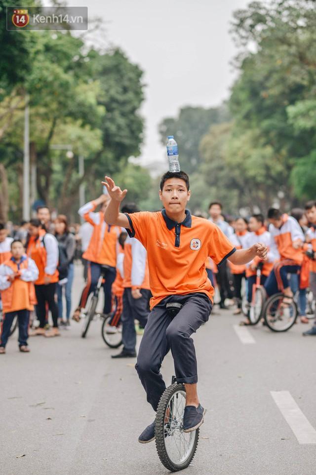 Một người cha Hà Nội viết nên cổ tích cho con trai tự kỷ thoát án chung thân, trở thành kỷ lục gia xiếc nhí Việt Nam - Ảnh 17.
