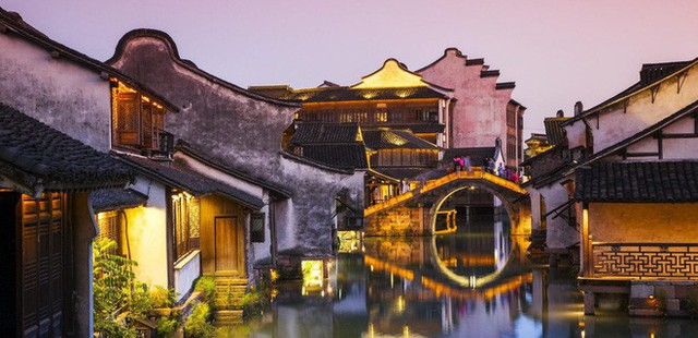 Ngất ngây với 5 cổ trấn đẹp như trong phim cổ trang ở Trung Quốc - Ảnh 3.