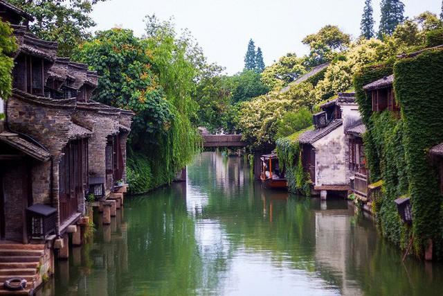 Ngất ngây với 5 cổ trấn đẹp như trong phim cổ trang ở Trung Quốc - Ảnh 4.