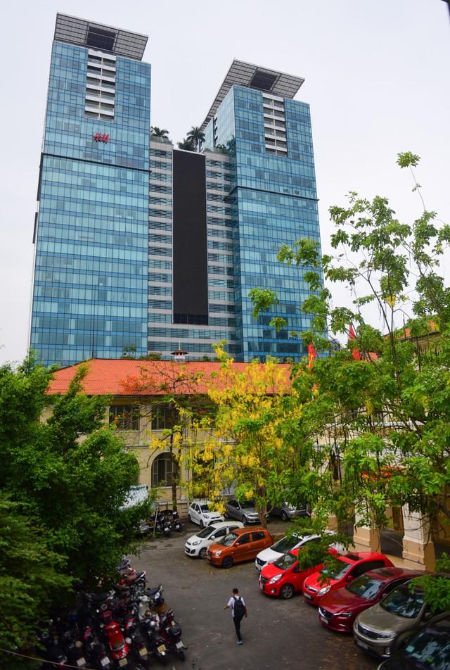 Cận cảnh dinh Thượng Thơ 120 năm tuổi ở Sài Gòn có nguy cơ bị đập bỏ - Ảnh 4.