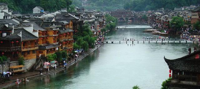 Ngất ngây với 5 cổ trấn đẹp như trong phim cổ trang ở Trung Quốc - Ảnh 5.