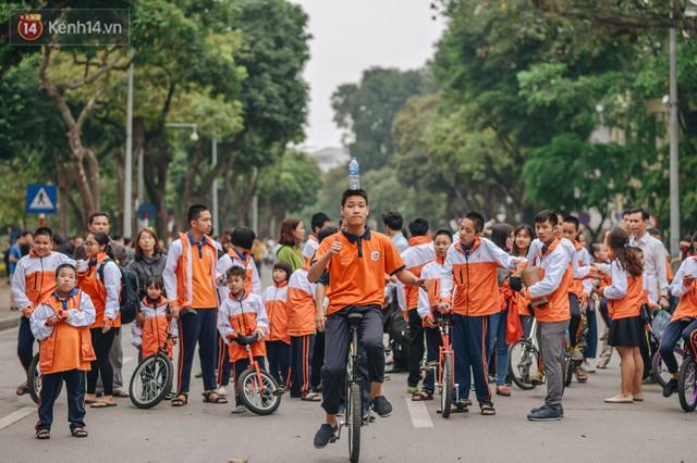Một người cha Hà Nội viết nên cổ tích cho con trai tự kỷ thoát án chung thân, trở thành kỷ lục gia xiếc nhí Việt Nam - Ảnh 8.