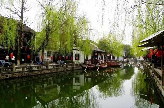 Ngất ngây với 5 cổ trấn đẹp như trong phim cổ trang ở Trung Quốc - Ảnh 8.
