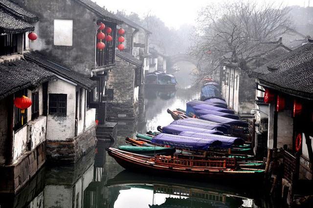 Ngất ngây với 5 cổ trấn đẹp như trong phim cổ trang ở Trung Quốc - Ảnh 9.
