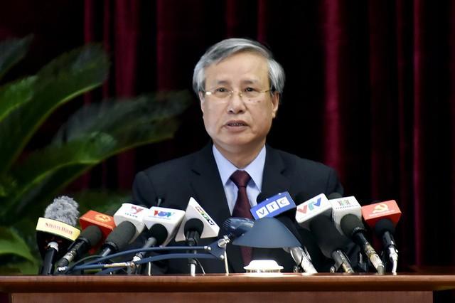Chùm ảnh khai mạc Hội nghị Trung ương 7 - Ảnh 2.