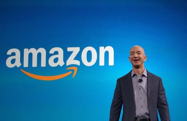 Một lần làm bà ngoại khóc và bài học nhớ đời của CEO Amazon Jeff Bezos về sự tử tế - Ảnh 4.