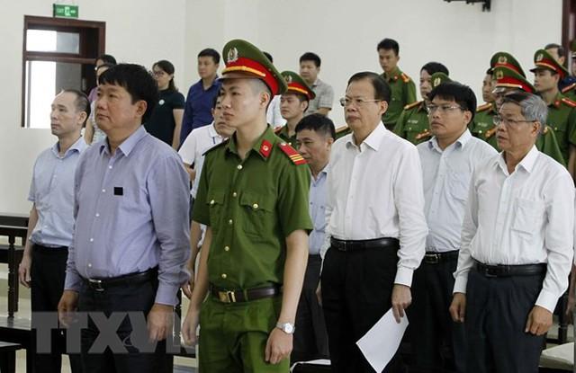 [Photo] Tòa án Hà Nội xét xử phúc thẩm bị cáo Đinh La Thăng - Ảnh 5.