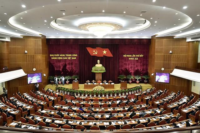 Chùm ảnh khai mạc Hội nghị Trung ương 7 - Ảnh 7.