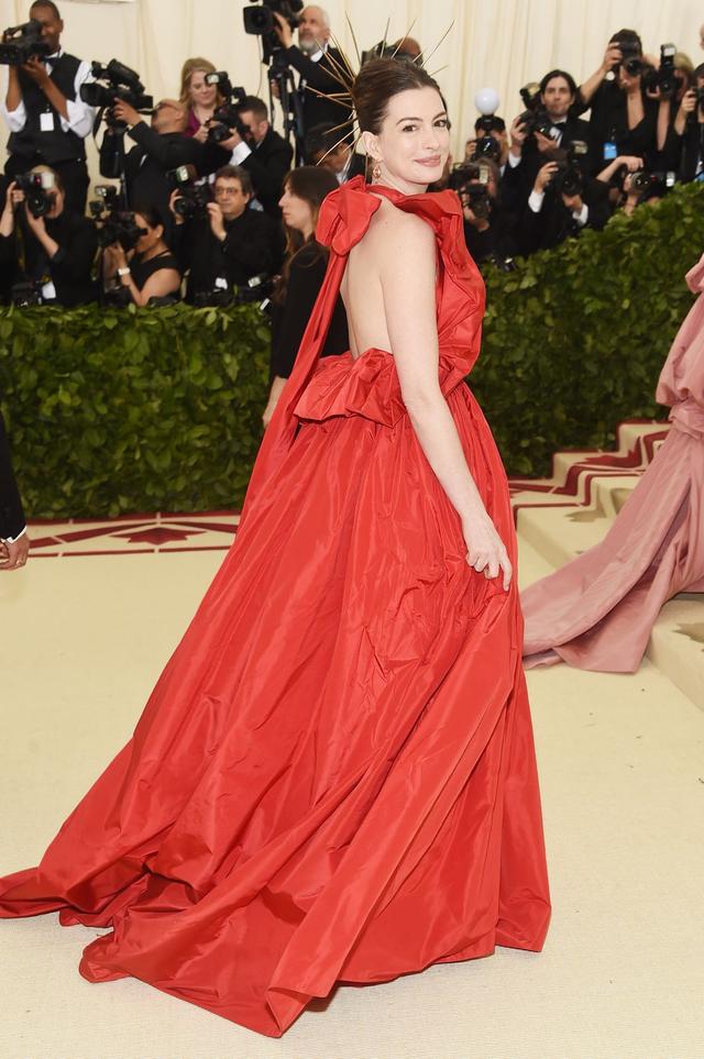 Những trang phục Haute Couture cao cấp bậc nhất xuất hiện trong Met Gala 2018: Đẳng cấp, thời thượng và xứng tầm với sự kiện Oscar thời trang - Ảnh 8.