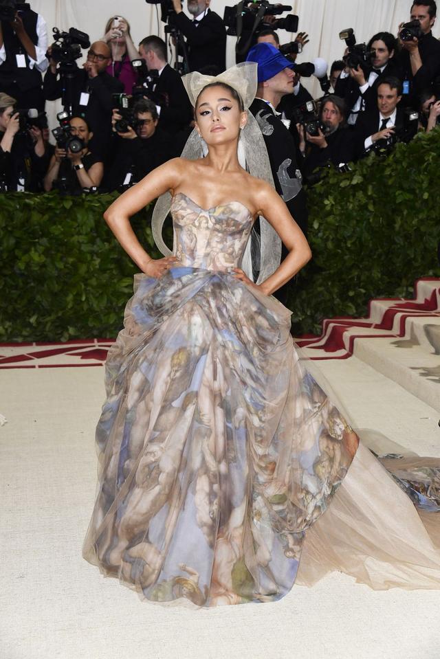 Những trang phục Haute Couture cao cấp bậc nhất xuất hiện trong Met Gala 2018: Đẳng cấp, thời thượng và xứng tầm với sự kiện Oscar thời trang - Ảnh 10.