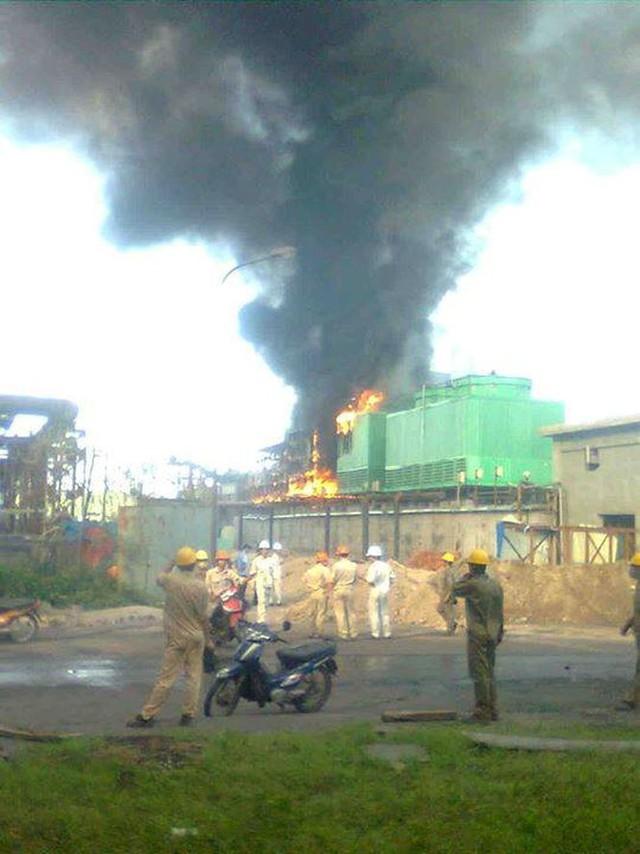 Cháy tại nhà máy thép Hoà Phát, 4 công nhân nhập viện  - Ảnh 1.