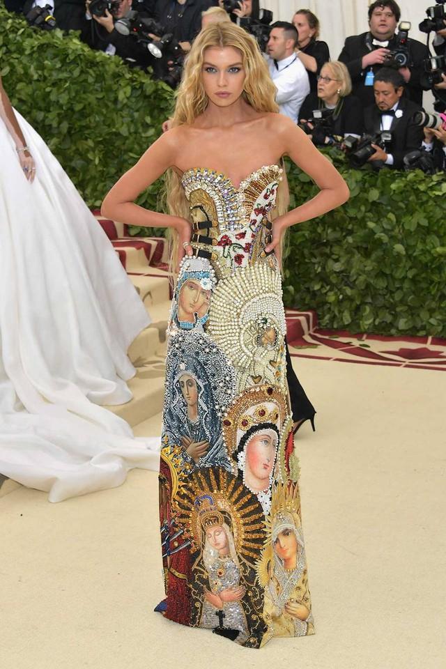 Những trang phục Haute Couture cao cấp bậc nhất xuất hiện trong Met Gala 2018: Đẳng cấp, thời thượng và xứng tầm với sự kiện Oscar thời trang - Ảnh 15.