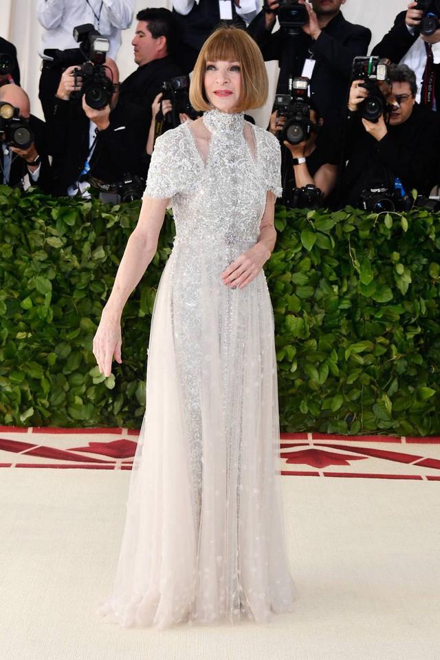 Những trang phục Haute Couture cao cấp bậc nhất xuất hiện trong Met Gala 2018: Đẳng cấp, thời thượng và xứng tầm với sự kiện Oscar thời trang - Ảnh 4.